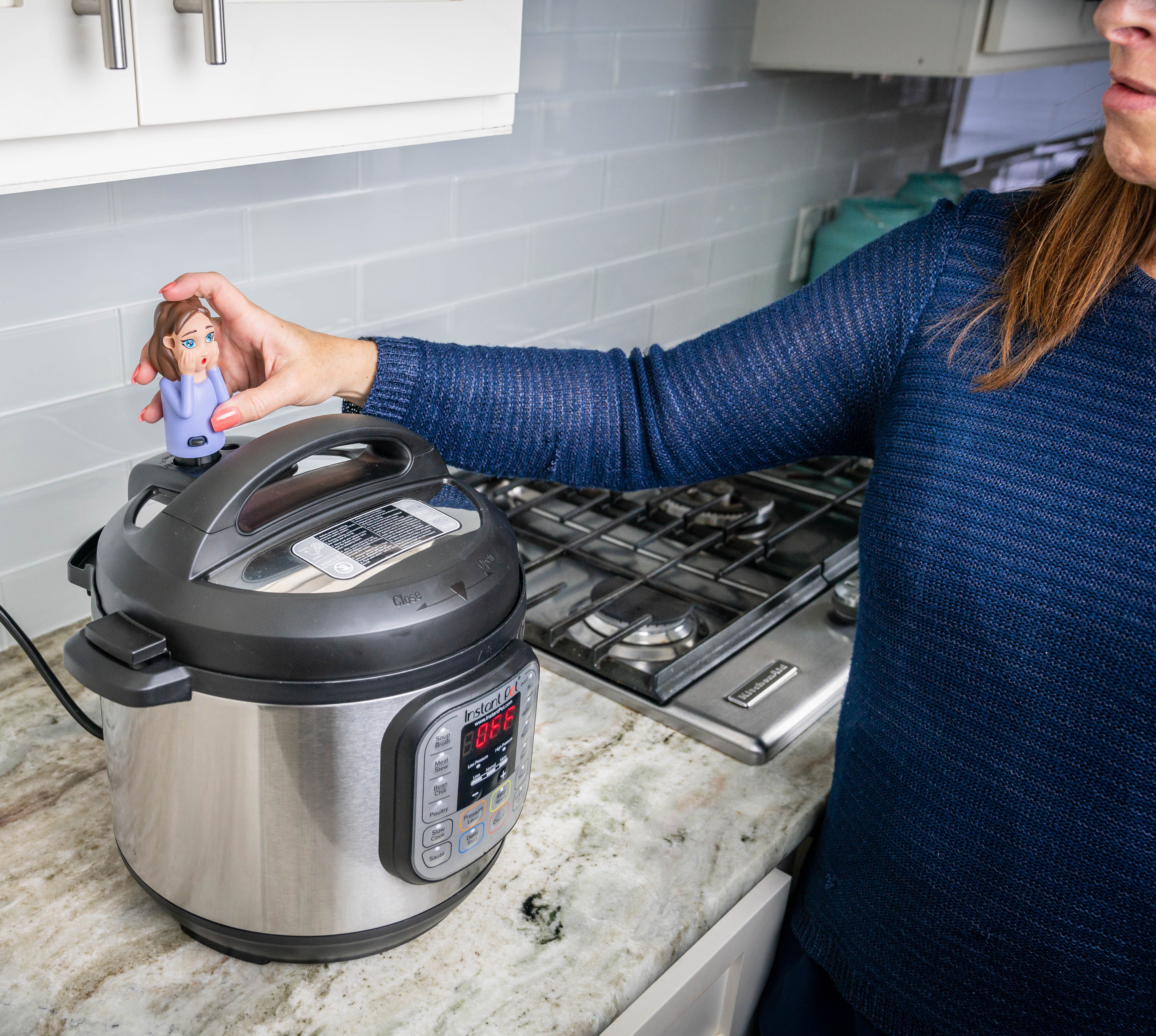 Before starting your cooker, position your SteamMate over