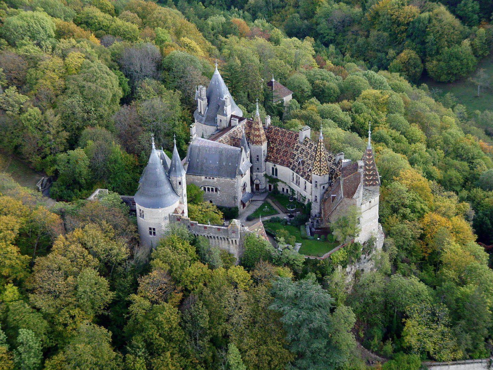 Pin Von Amelia Munoz Madriz Auf Burg Und Schlosser In 2020 Burgen Und Schlosser Franzosische Schlosser Burg Hauser