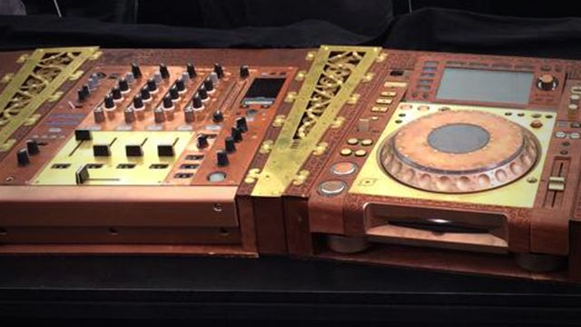 Custom SteamPunk CDJ's Look amazing at Tommorowland | steampunk