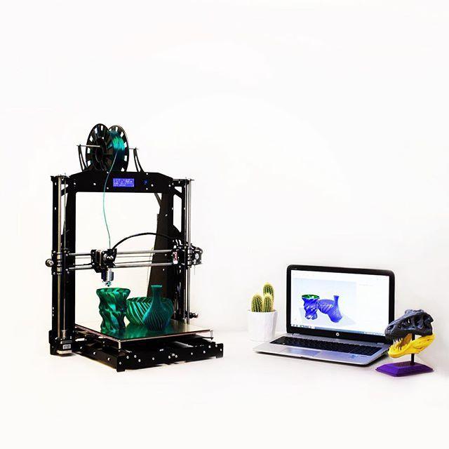 Something we liked from Instagram! BiZone (Big Zone) - принтер БОЛЬШИХ возможностей! Увеличенная область построения 300х300х300 мм.  #3dprinter #3dprinting #3d #prusa #bizone #design #3ddesign #3dprototyping #3д  #3дпринтер #3дпечать #дизайн #искуство by 3d_diy check us out: http://bit.ly/1KyLetq