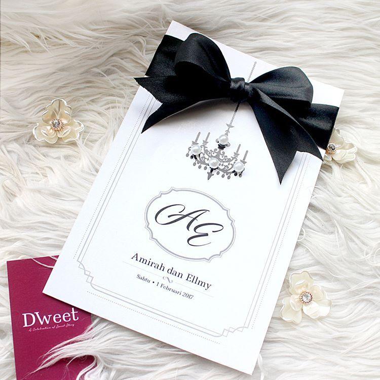 White Royal 06 Koleksi White Royal Khas Untuk Mereka Yang Menyukai Design Simple Tetapi Kelihata Wedding Cards Kad Kahwin Invitations White