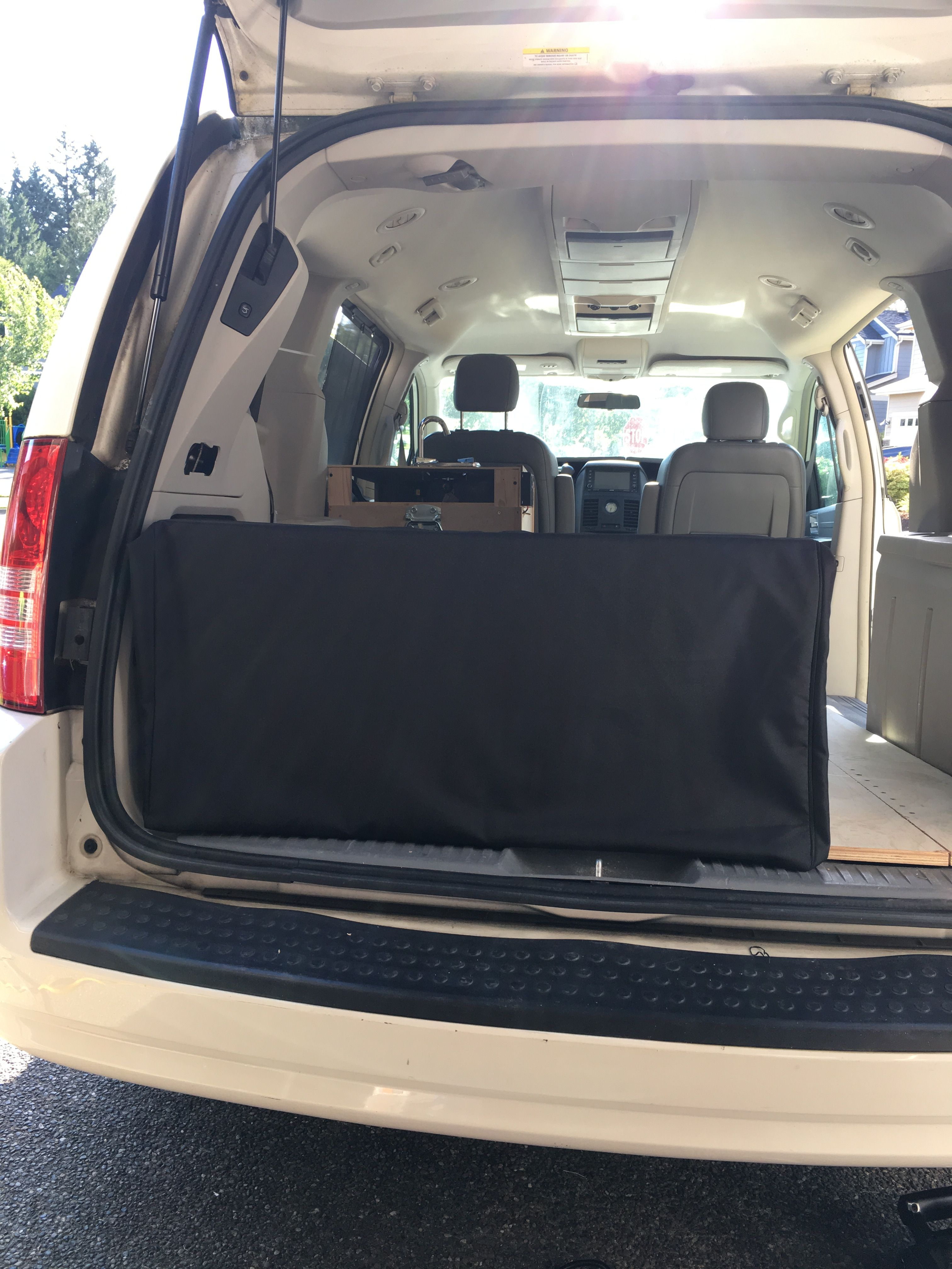 The Bed Chrysler Town And Country Camper Van Camper