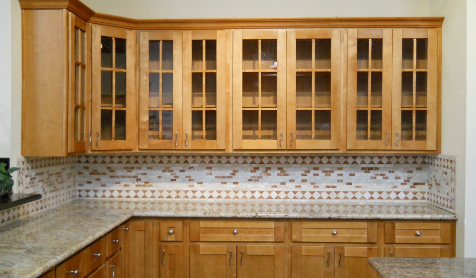 Honey Spice And Maple Kitchen Cabinets Fgy Kitchen Cabinets And Countertops Cabinets And Countertops Best Kitchen Cabinets