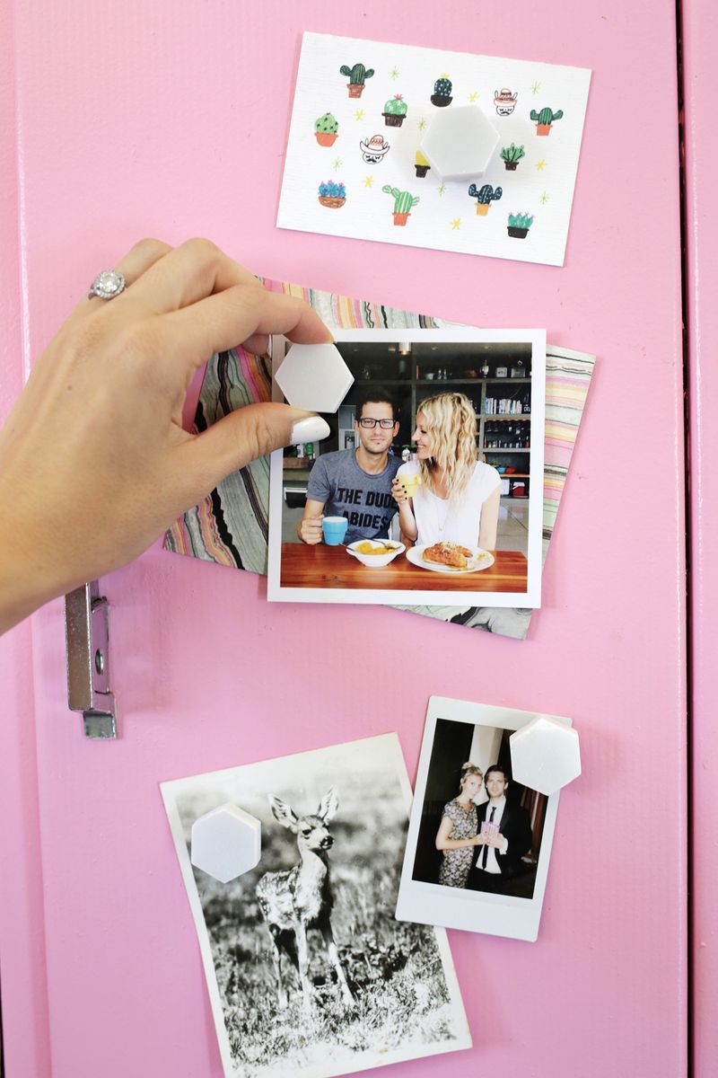 Great use for extra tiles—make magnets! (click through for more)