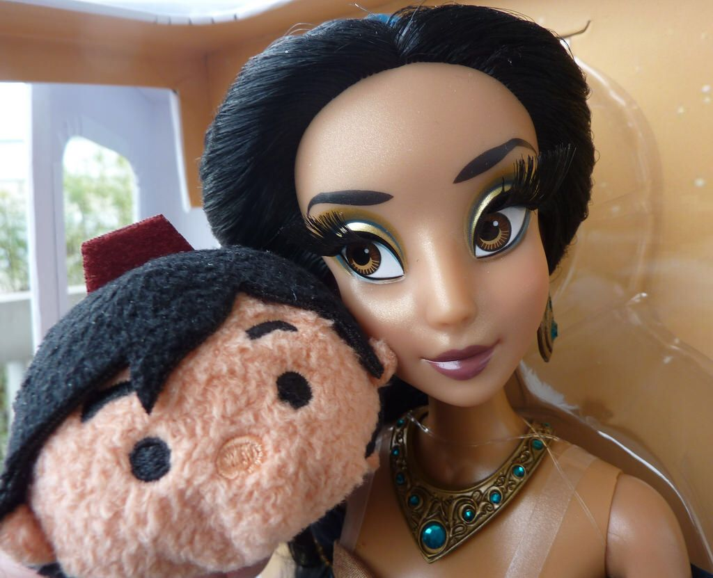 Jessica rabbit special edition doll by disney collectors dolls dark - Disney Jasmine Le Doll And Aladdin Tsum Selfie