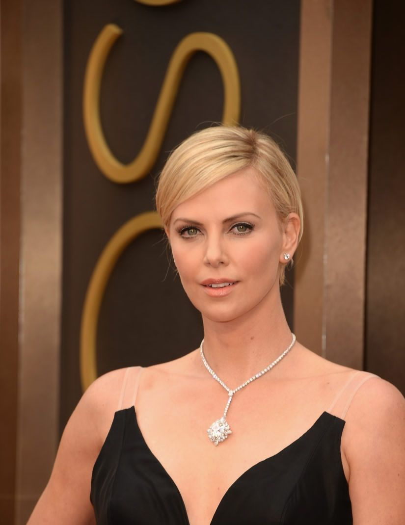 Charlize Theron amazed fans with her new look 09/27/2016 54