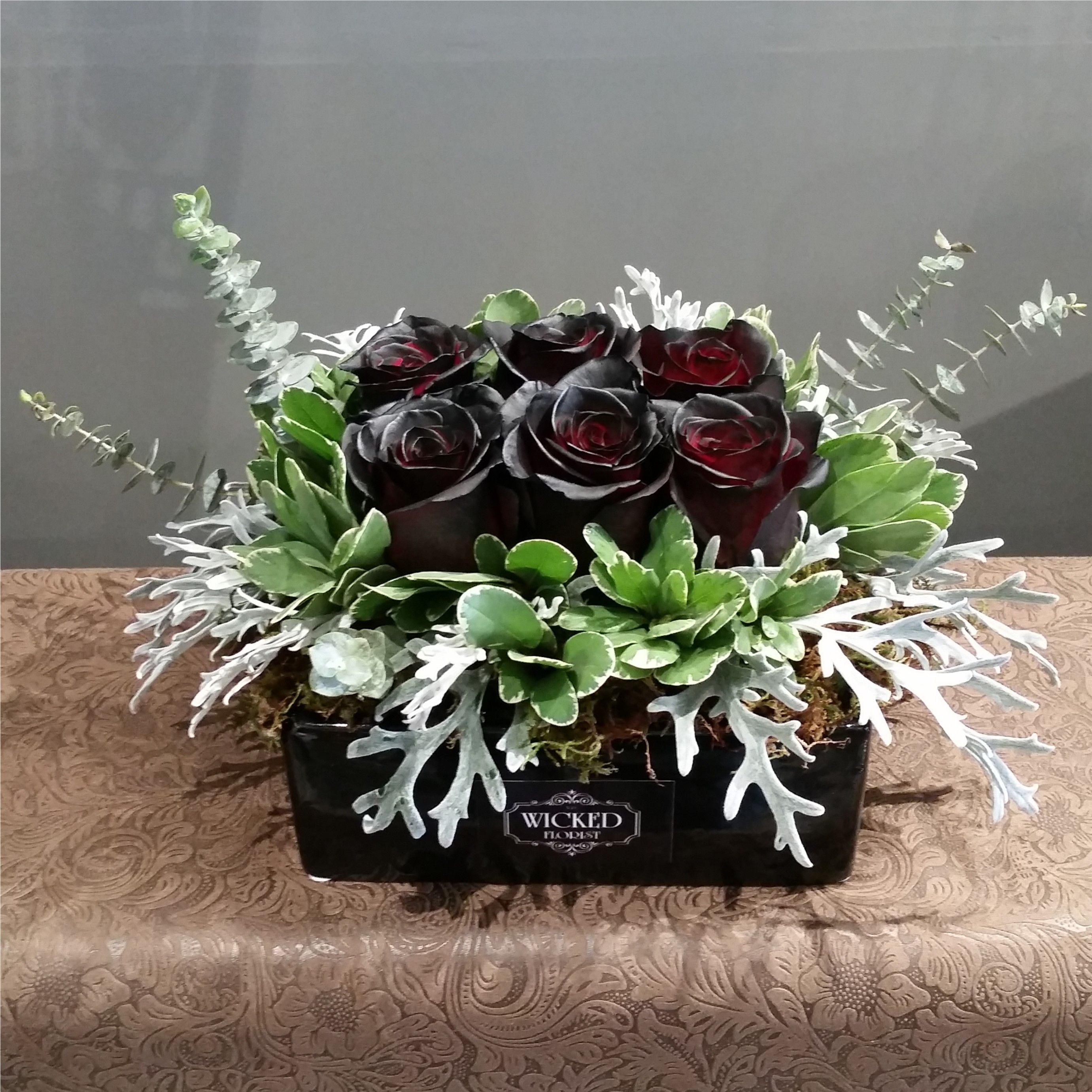 Black Beauty Tray Flower delivery, Fresh flowers online