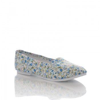 Espadrile Bimbi Espadrilele Bimbi au un model floral si romantic, perfect pentru vara! Aceste espadrile sunt moi si comode, ideale pentru firile sportive. Espadrilele Bimbi se asorteaza frumos cu o pereche de jeans din denim, dar se pot purta la fel de bine in compania unei rochii de vara cu model floral.