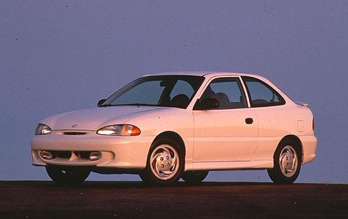 Here S A 1996 Hyundai Accent For Throwbackthursday Tbt Hyundai Cars Hyundai Kia