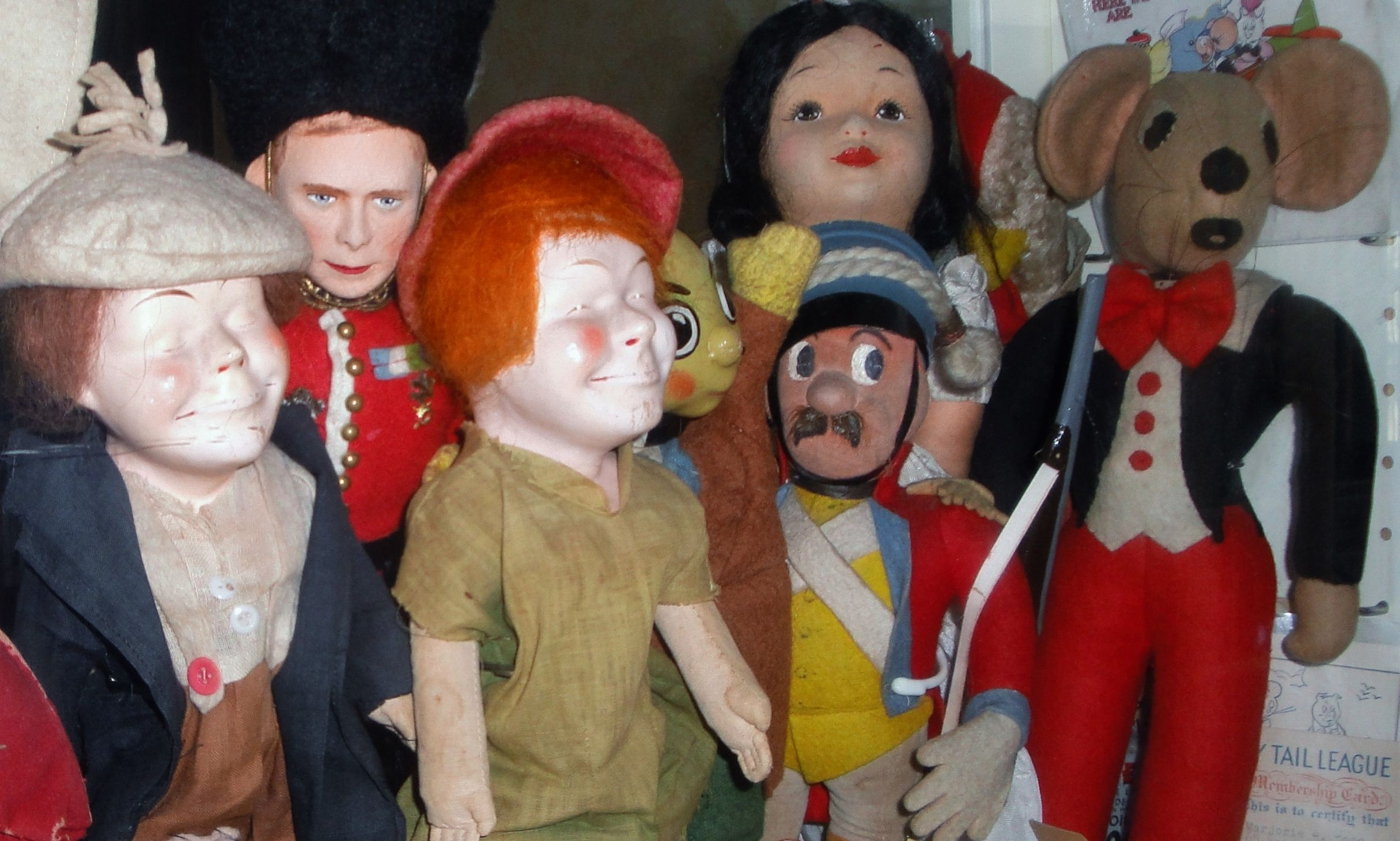 BISTO KIDS Maker unknown. KING GEORGE V1 by Farnell. SAM by Deans Rag Book. SNOW WHITE by Chad Valley. TEDDY TAIL Maker unknown. All c1930s.