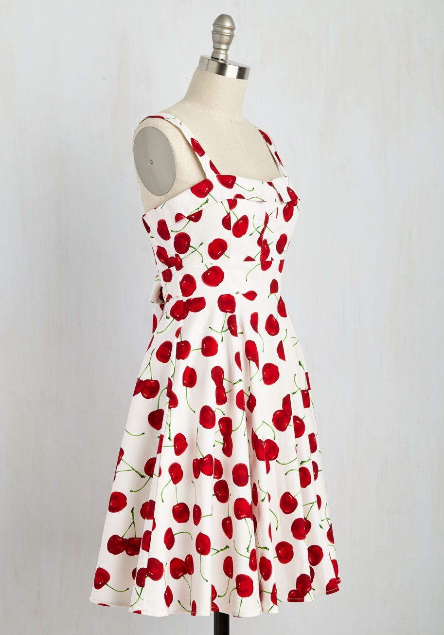 Pull Up A Cherry Dress In White Mod Retro Vintage Dresses Modcloth Com Dresses Cherry Dress Retro Vintage Dresses [ 1304 x 913 Pixel ]