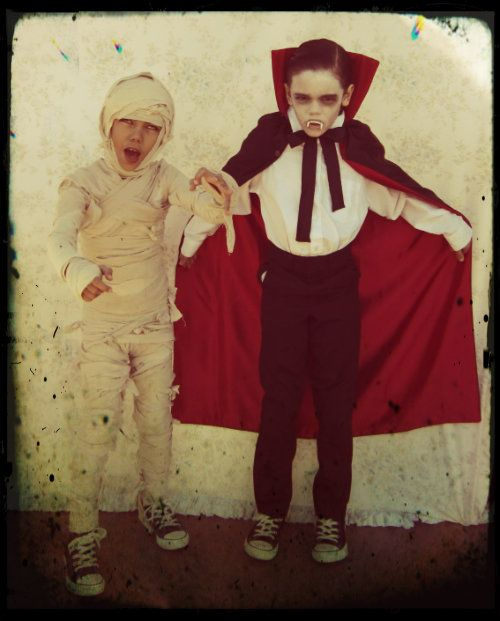 Typical 90\u0027s child Homemade halloween costumes!!! Muahahahaha - scary homemade halloween costume ideas