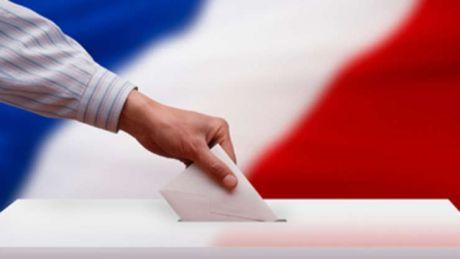 Franţa înainte şi după alegeri. Cine este favoritul în cursa pentru prezidenţiale