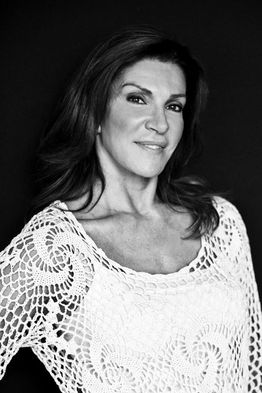 Hillary | Loves Hilary Farr | Pinterest | UX/UI Designer ... Hilary Farr