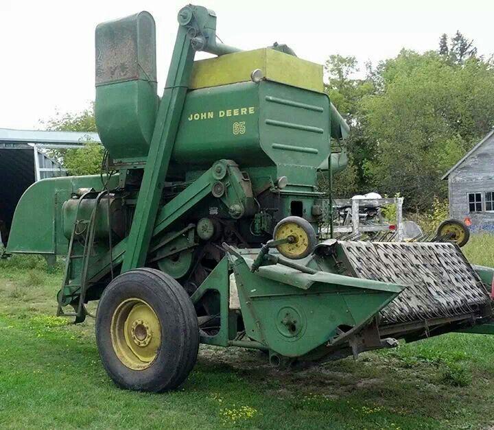 John Deere 65 Pull Type Combine | Farming is the way of life