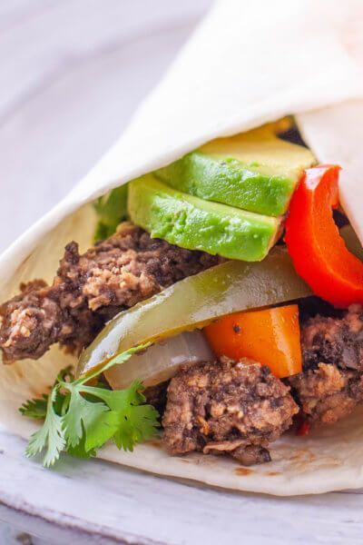 Fajitas Recipe with Ground Beef for Easy Weeknight Dinner - Eating Richly #beeffajitarecipe Fajitas Recipe with Ground Beef for Easy Weeknight Dinner - Eating Richly #beeffajitarecipe