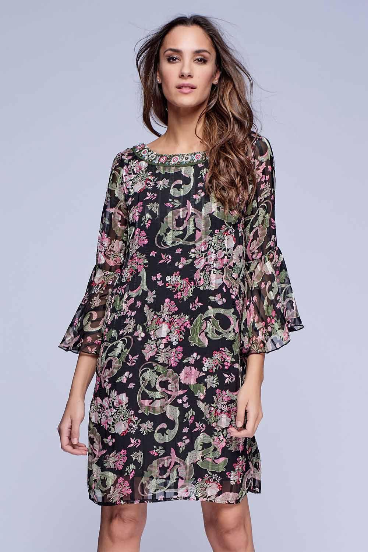 df45fe865a Vestido Niza estampado floral en gasa con raya satén. Escote delantero  bordado. Escote de espalda amplio y redondo con tiras cruzadas de adorno.