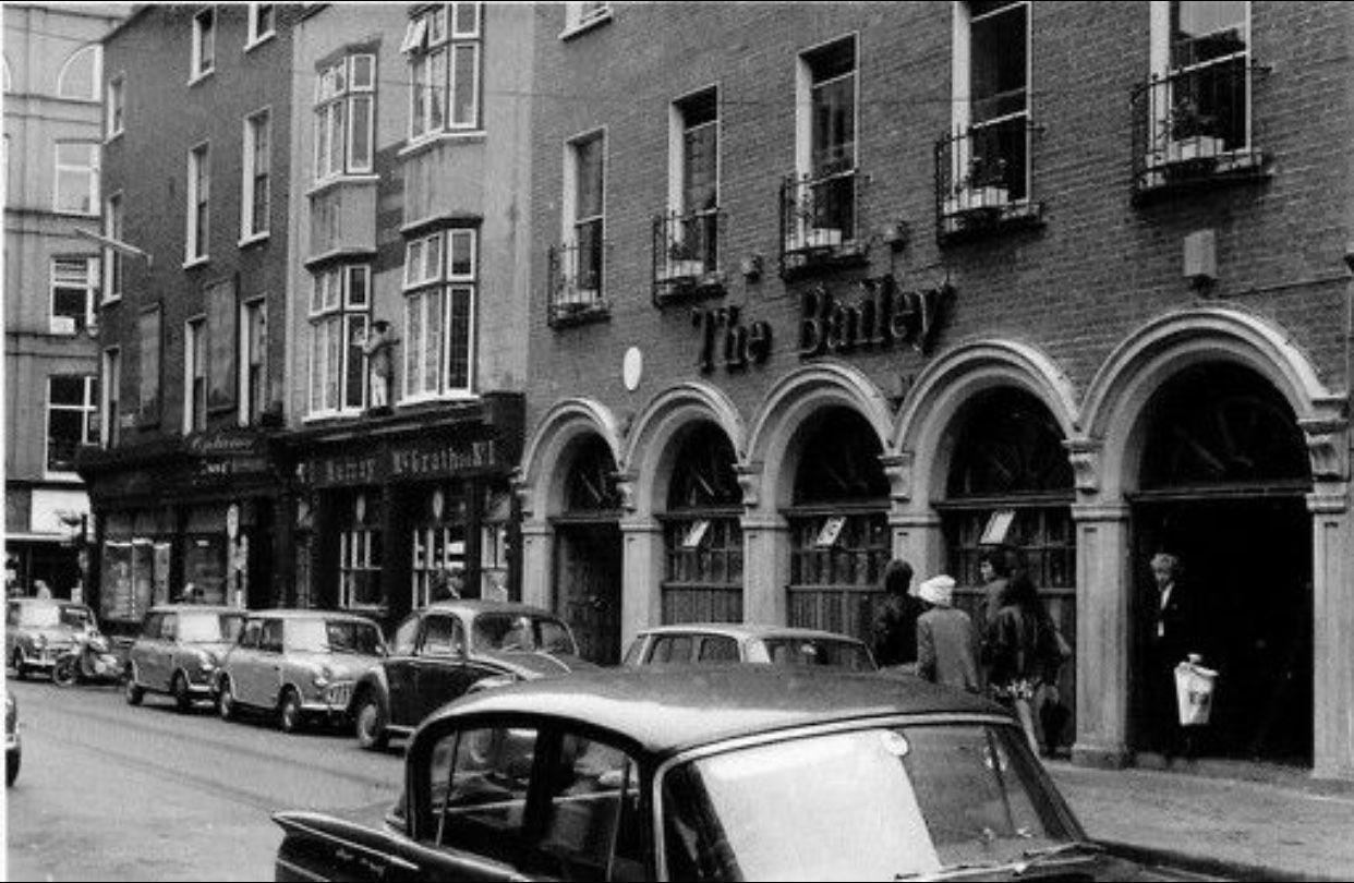 The Bailey, Duke Street, Dublin | Dublin street, Dublin ...