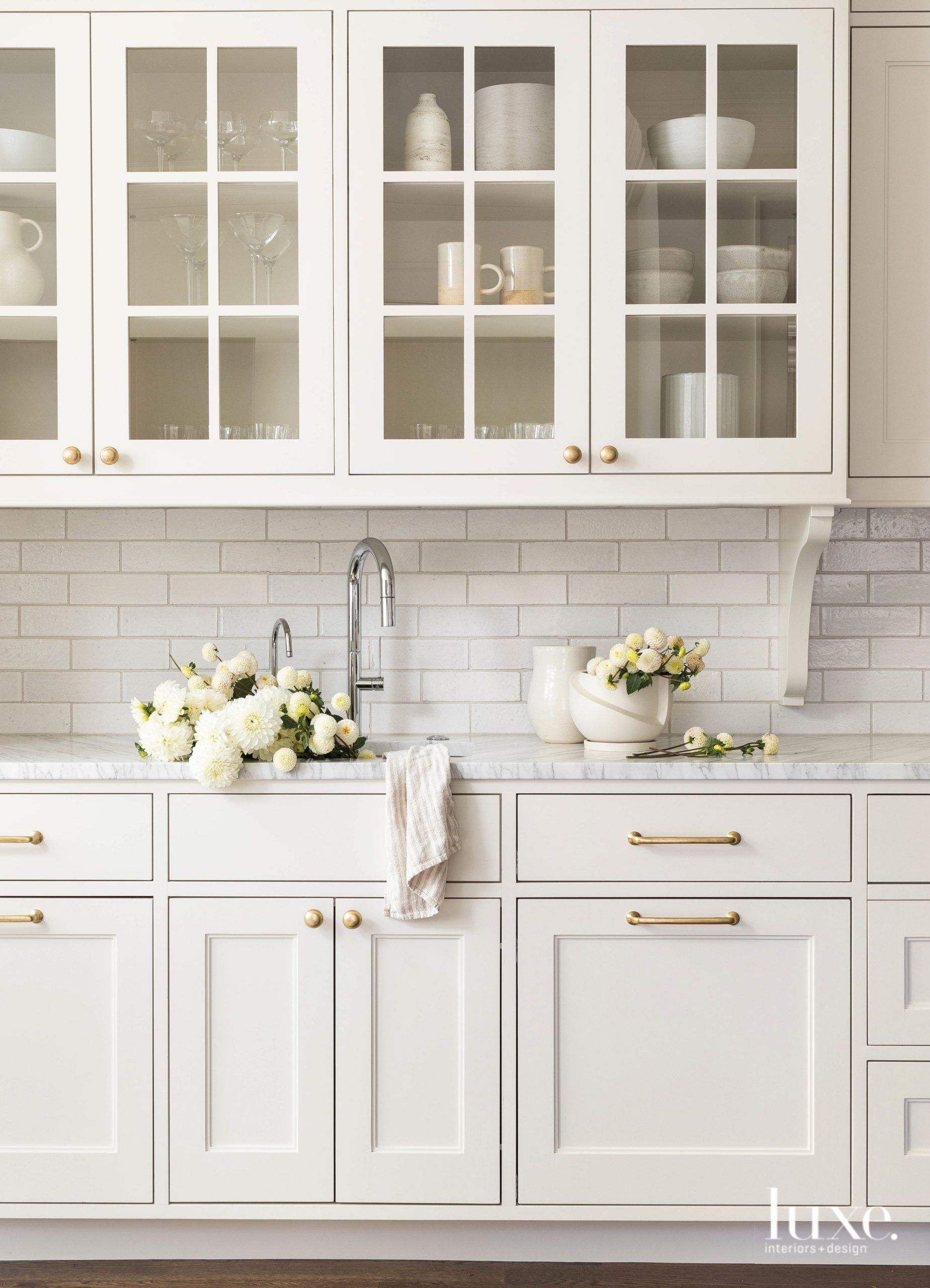 How A 1910 Seattle Colonial Revival Got Its Groove Back In 2020 Kitchen Interior Kitchen Renovation Interior