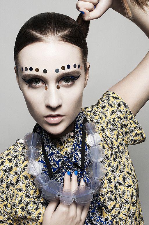 XXL JEWELS for B-guided Magazine Photographer: Cesar Segarra Fashion editor: Jaume Vidiella Assistant: Javier Ly Make up: Rafit