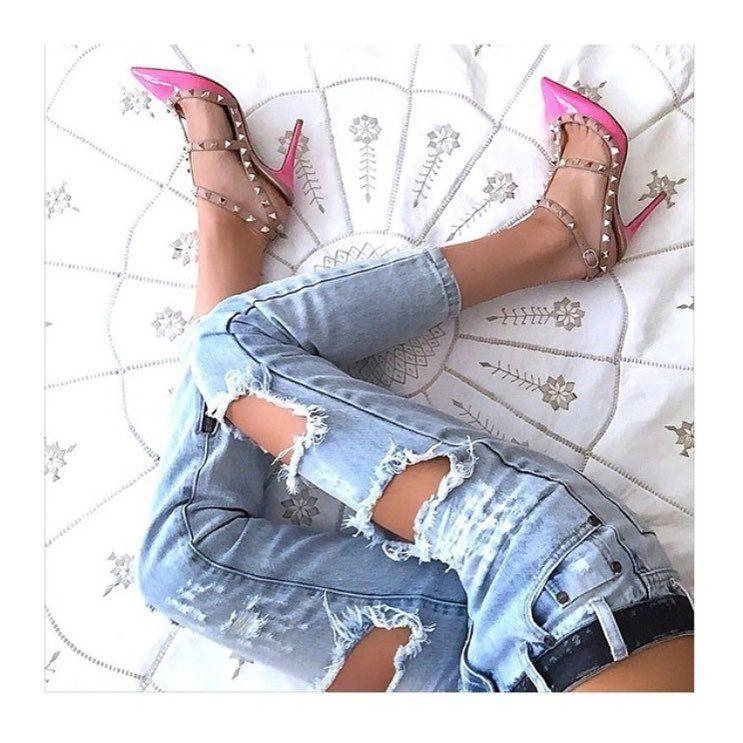 Jeans destroyed + valentino = combinação perfeita