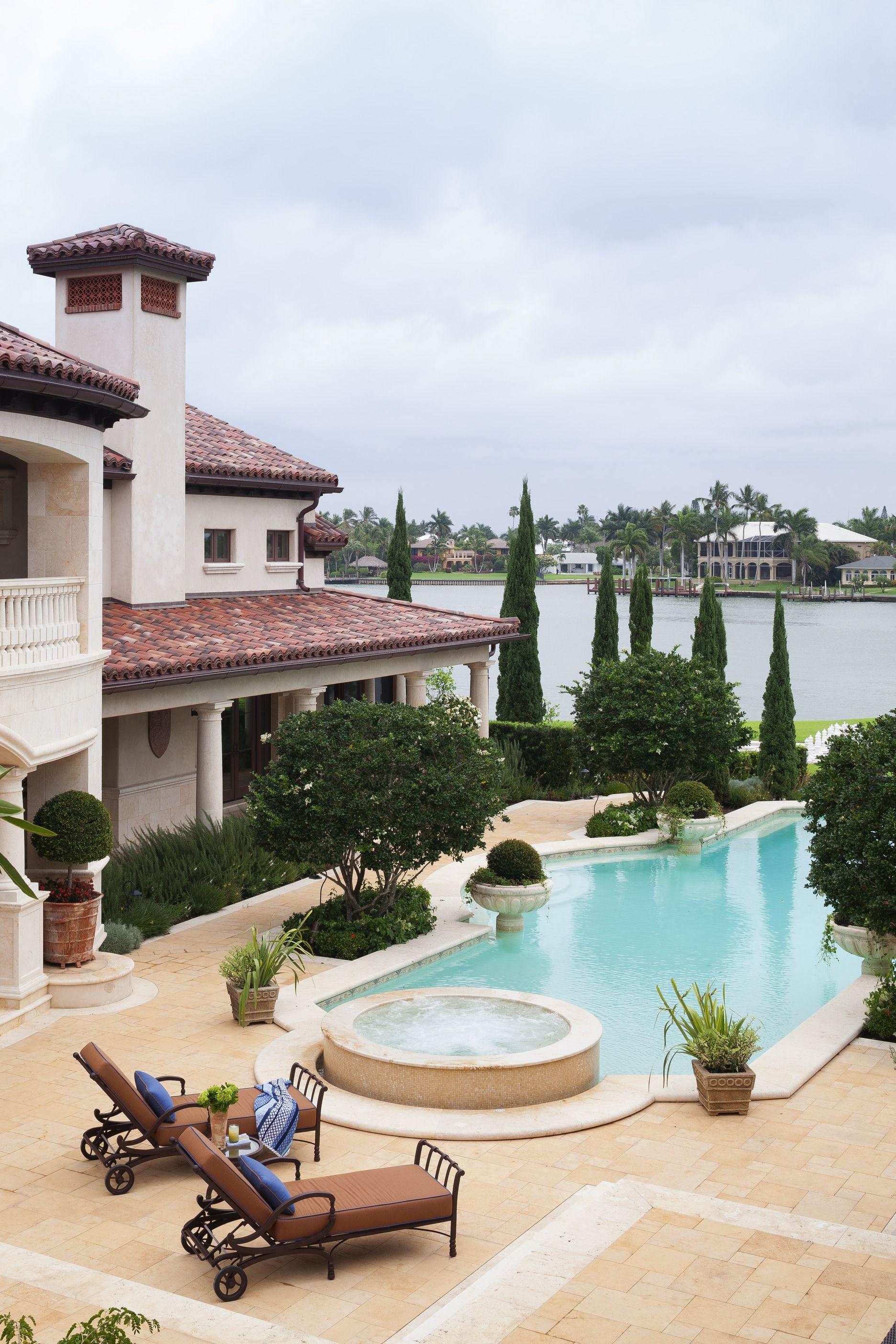 Italian Style Villa In Florida Mediterranean Homes Mediterranean Style Homes Luxury Mediterranean Homes