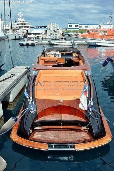 motorboote riva kaufen im gro en online bootsmarkt watercraft pinterest boote. Black Bedroom Furniture Sets. Home Design Ideas