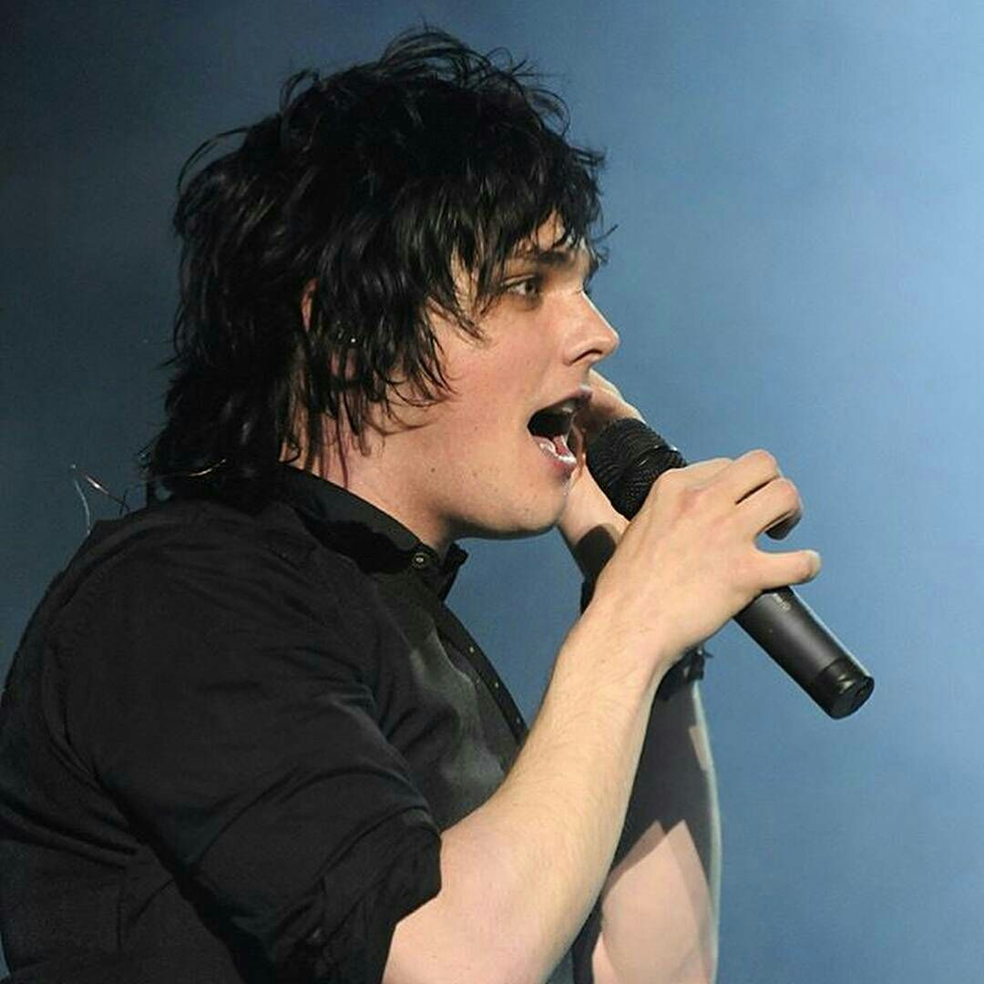 Pin by holly on gerard way pinterest romance emo bands and