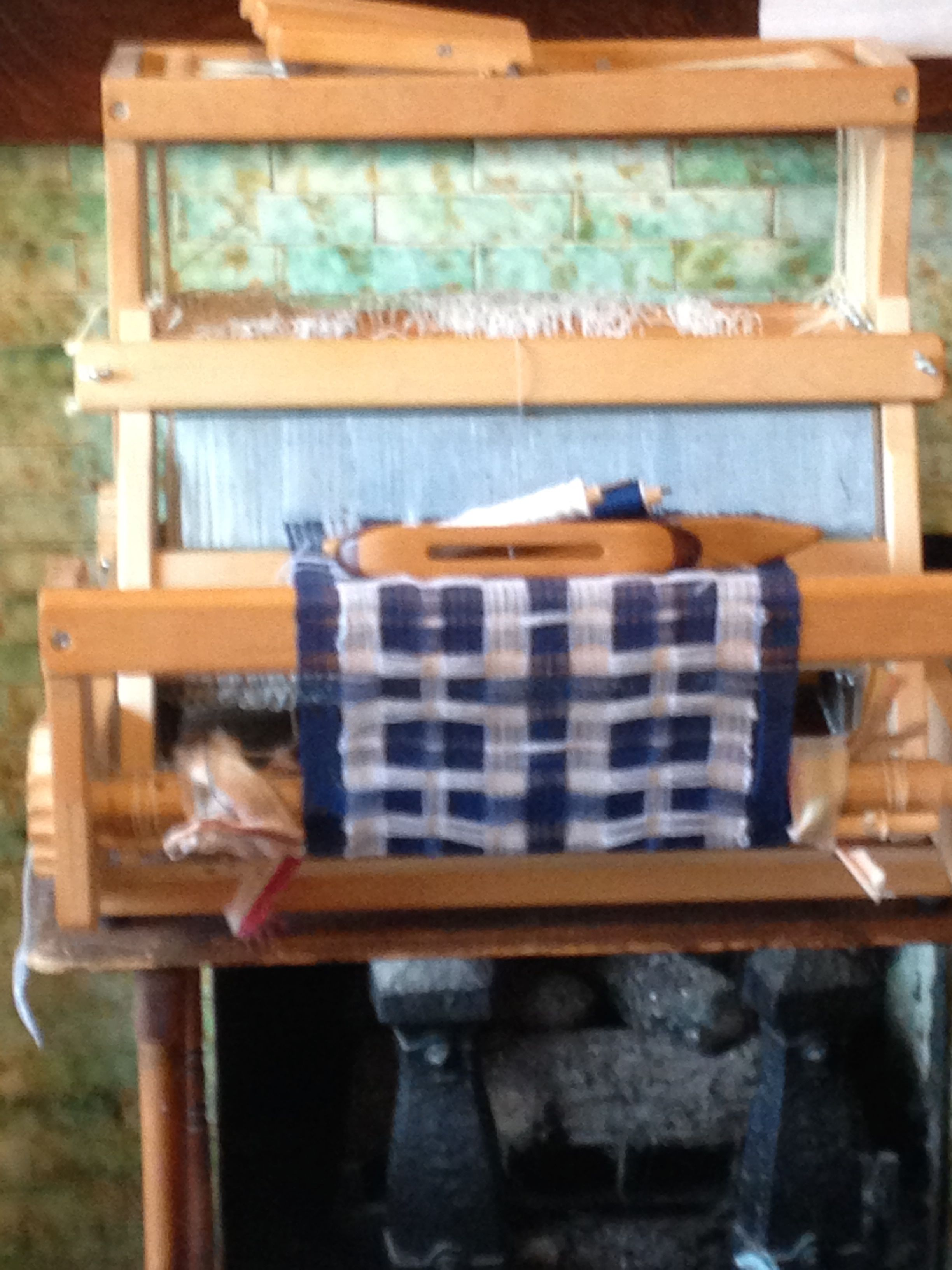 8 shaft deflected double weave scarf on the Dundas table loom  After