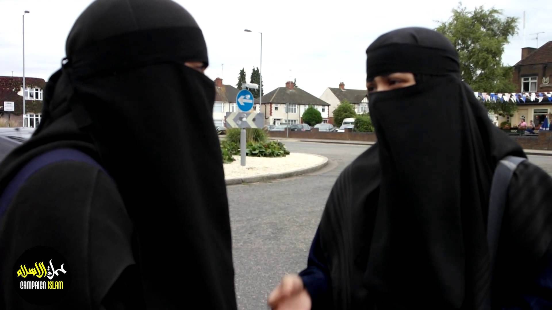 INTERVIEW WITH MUSLIM WOMEN WEARING NIQAB | BANNING THE VEIL (NIQAB) UK (10 mins) - the new Black Plague in Europe.
