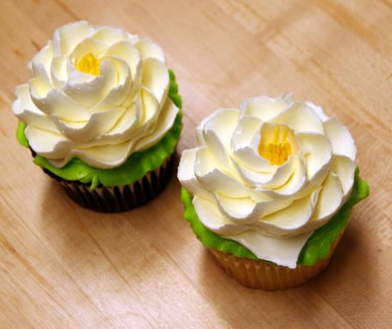 21 Magnolia Bakery Wedding Cakes That Look So Delicious: Best Cupcakes Ever. Seriously Delicious. White Flower Cake