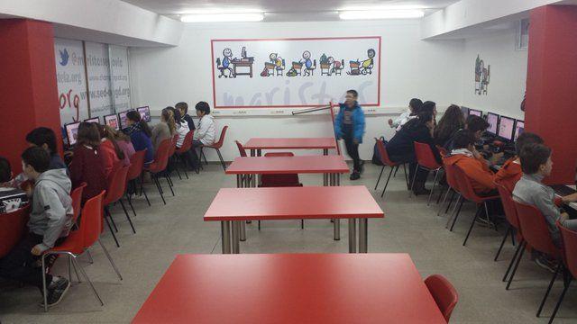 Maristas Segovia @maristassegovia http://ow.ly/i/8rLkv  trabajando en el aula de informática de infantil y primaria potenciamos muchas inteligencias. #compostelaenruta
