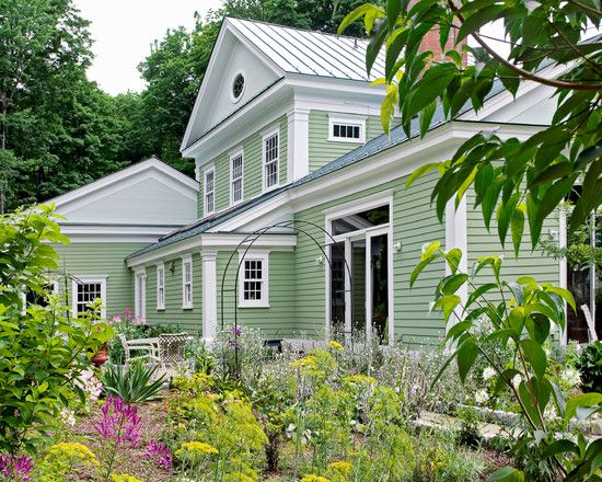 Best Exterior Paint Color With Green Roof Google Search 400 x 300