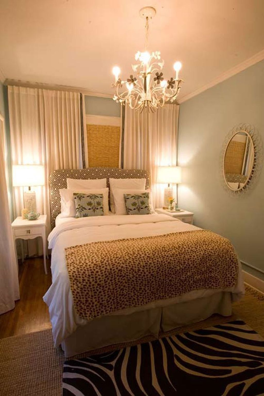 Cool 34 The Best Small Bedroom Ideas For Couples   Sovrum ...