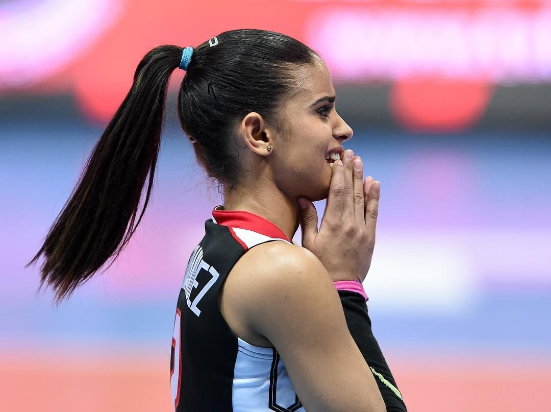 Who Is Winifer Fernandez The Hottest Sports Star To Break The Internet Is In Volleyball But Won Be In Rio 2016 Winifer Fernandez Volleyball Players Volleyball