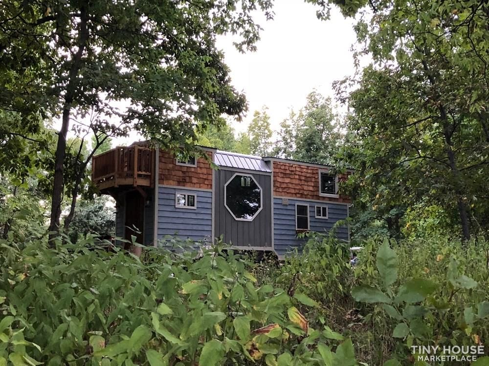 28 Foot Custom Luxury Tiny House that is Full of Amenities