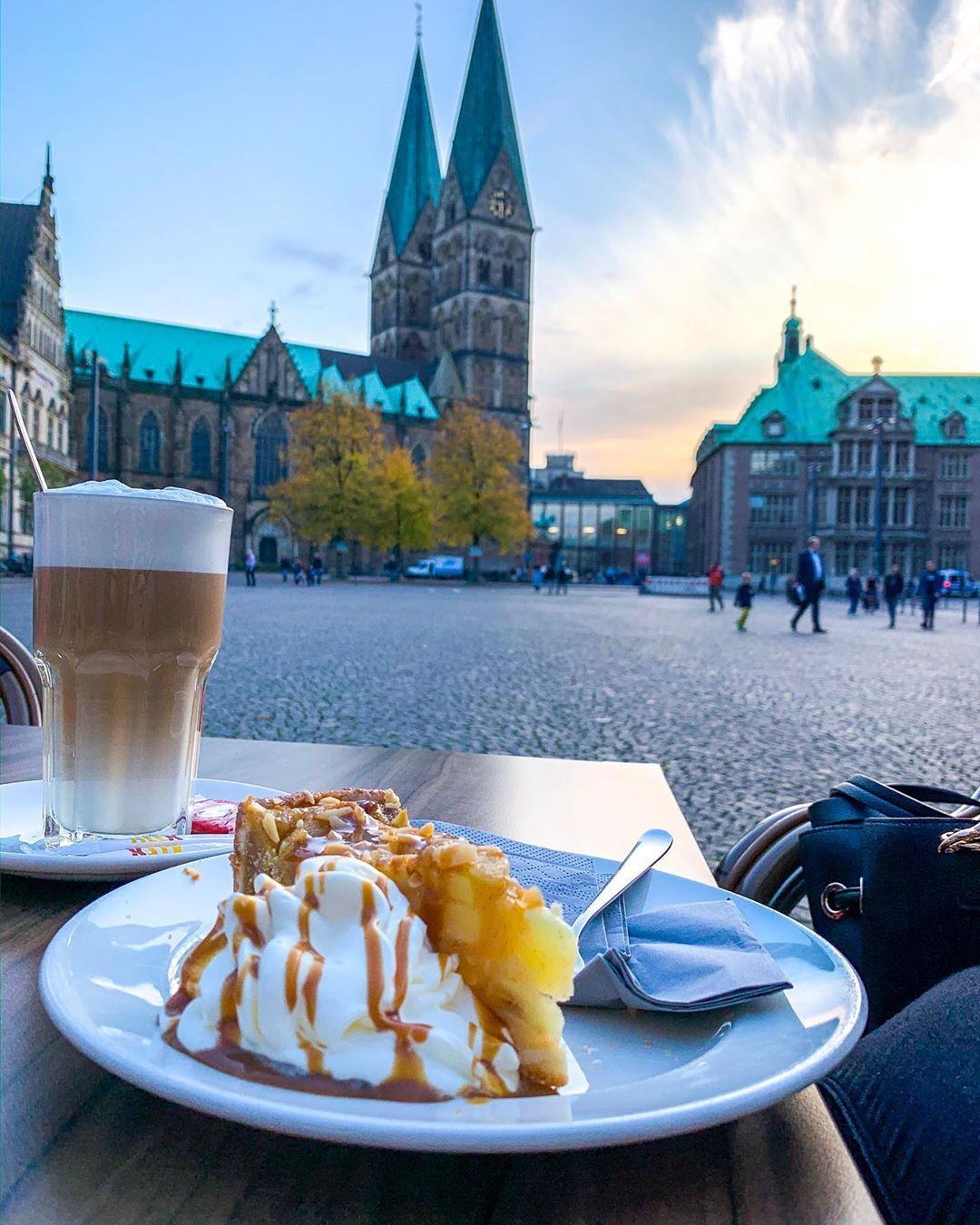 Kaffeedates tun der Seele gut 🥰 und Kuchen auch!  @lbckhsn @dein_alex