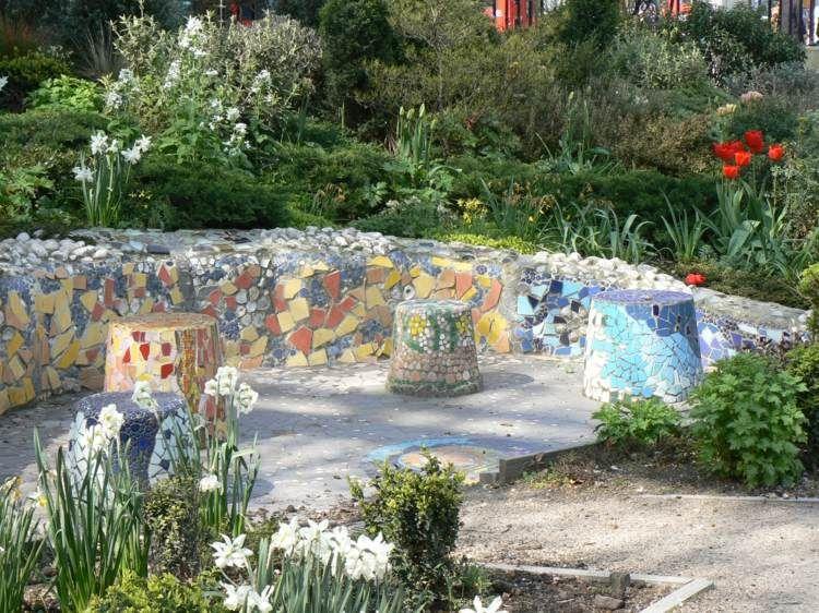 Ideen · Stützmauer Mit Mosaik Dekorieren ...