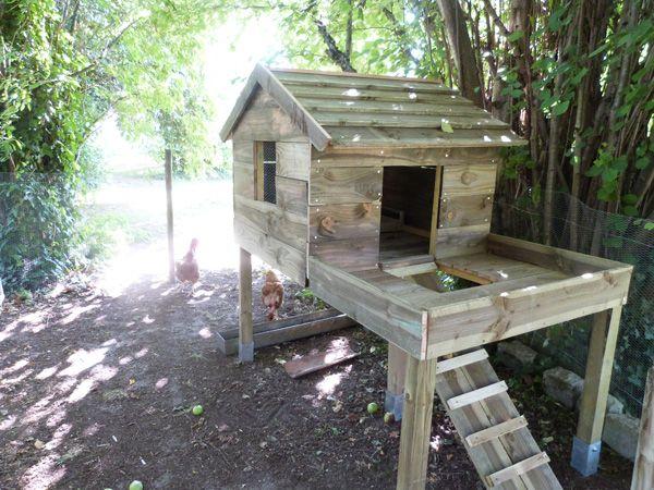 Les 25 meilleures id es de la cat gorie poulailler maison sur pinterest pou - Maison pour les poules ...