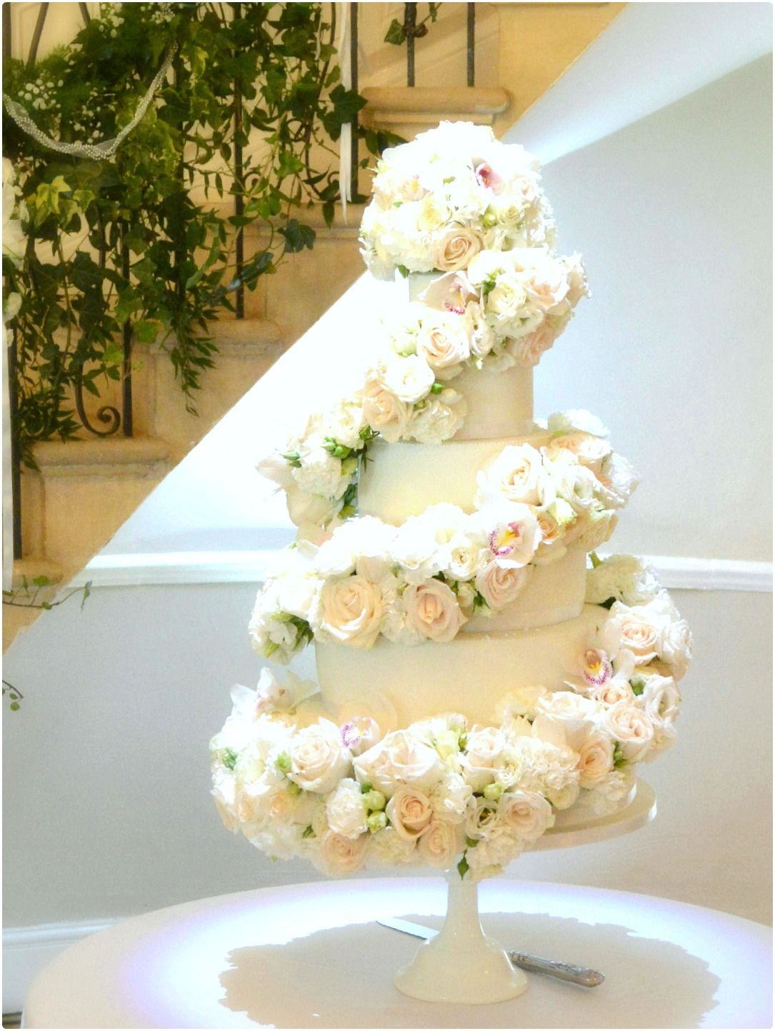 Image result for spiral tiered cake | National TV Awards Set ...