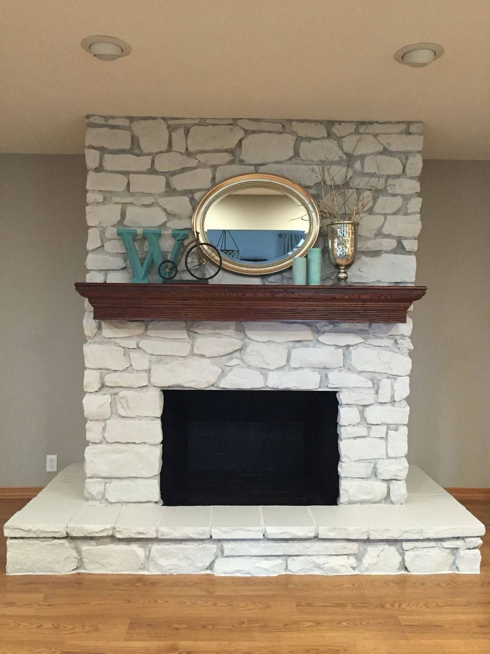 Erin S Art And Gardens Painted Stone Fireplace Before And After Painted Stone Fireplace Stone Fireplace Makeover Fireplace Remodel
