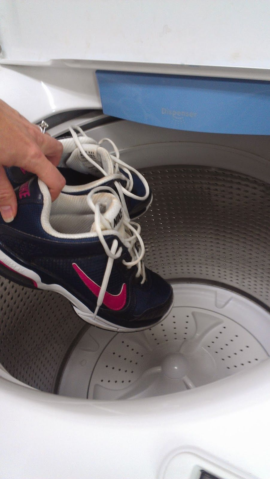 newest 567e6 c092a From the tennis desk  How to machine wash your tennis shoes Washing Tennis  Shoes,