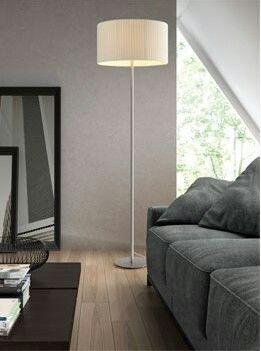 Pie de salón ref 2199, con pantalla en cinta o lisa según muestrario. Ideal para poner en un living junto al sofa. www.raco-ambient.com/racoclassics/lampara/ref-2199/