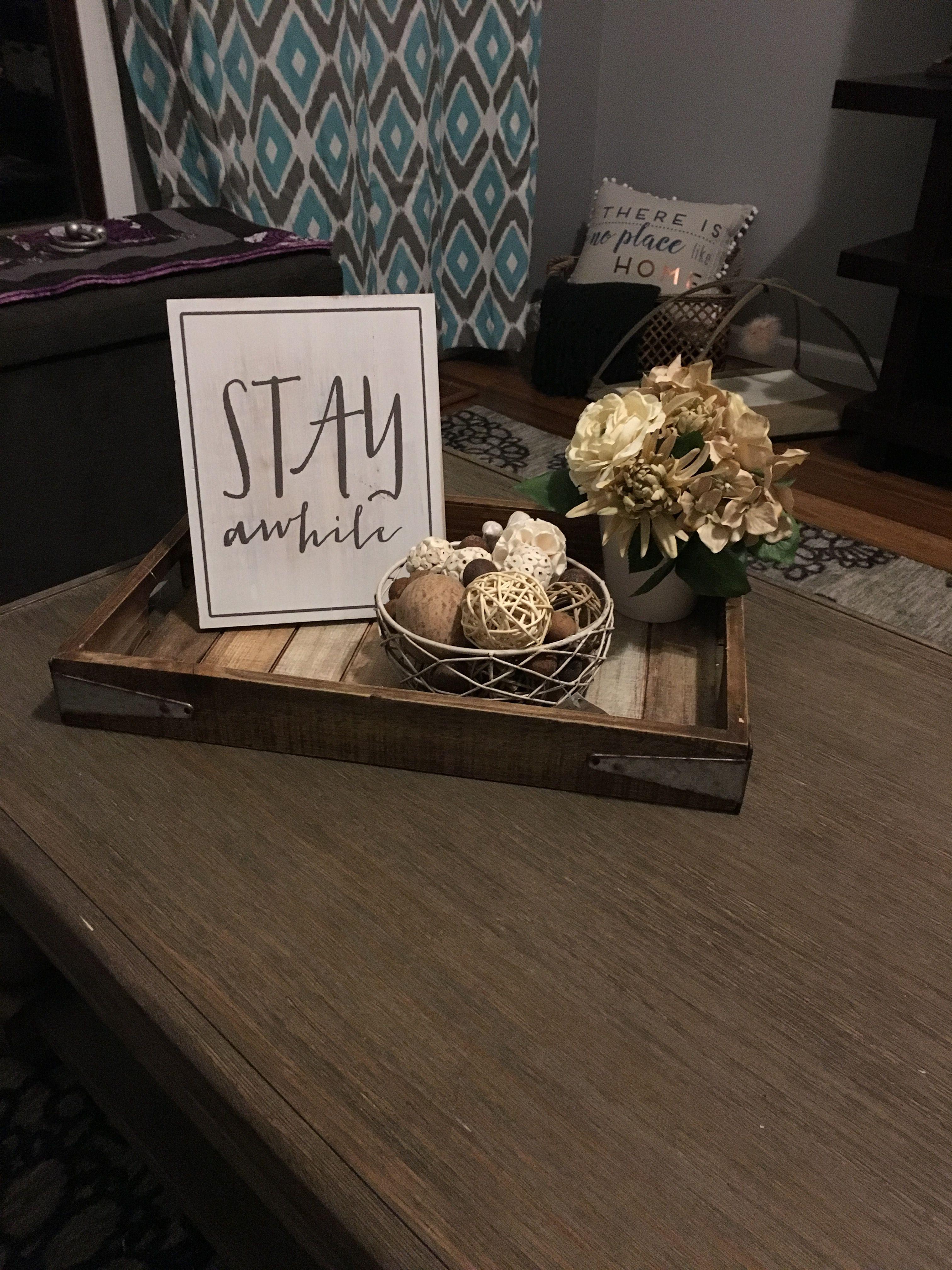 Super cute coffee table decor