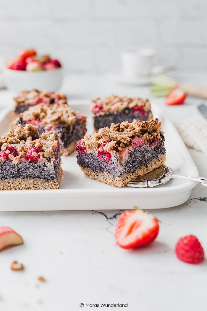 Veganer Mohnkuchen mit Rhabarb und Beeren • Maras Wunderland