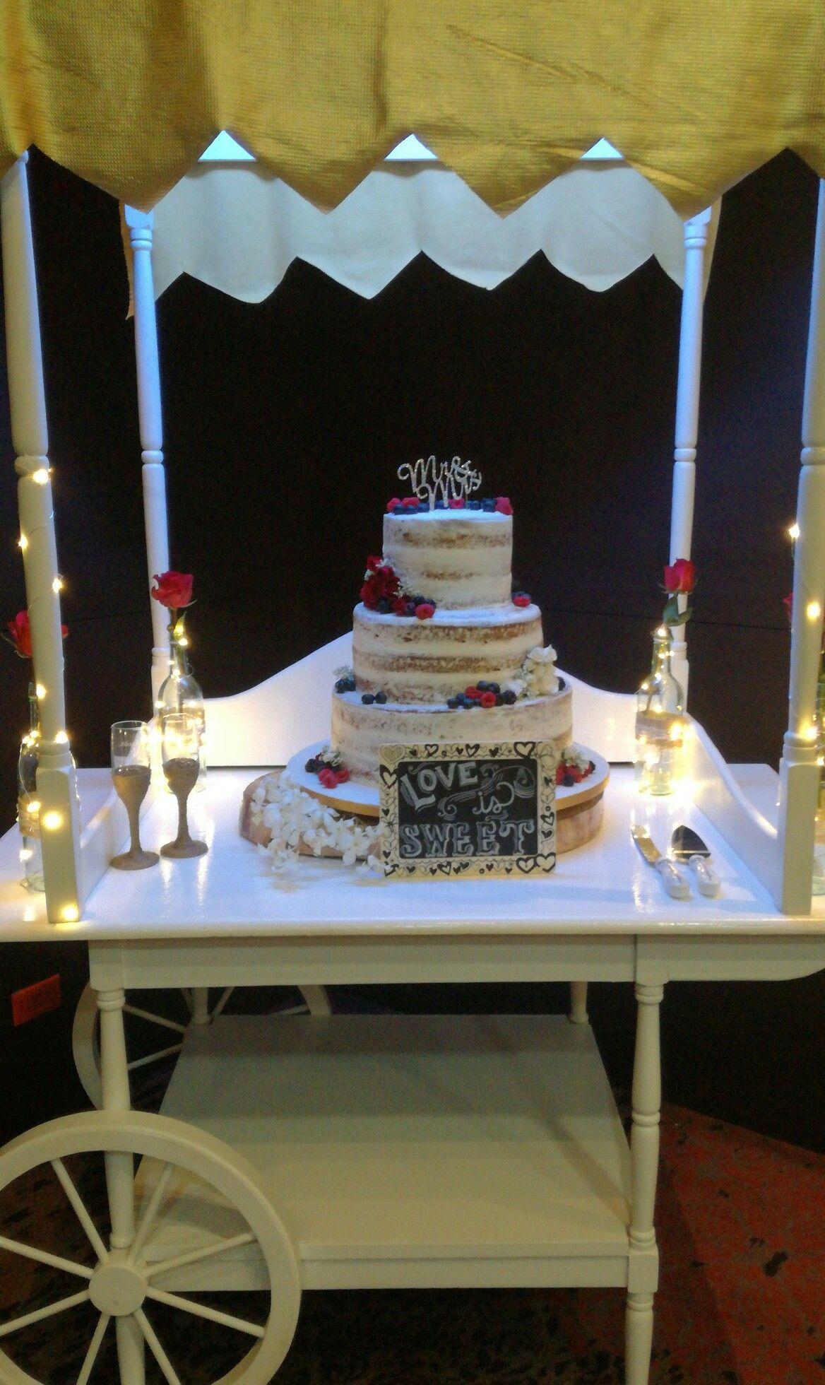 »Love is sweet Hermosa decoracion de pastel de bodas. Paper's&More🌸