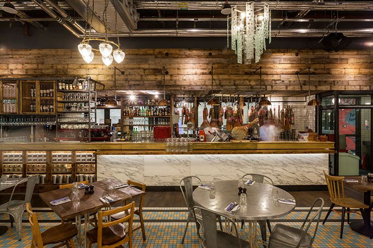 Award Winning Restaurants Jamie Oliver At Gatwick Airport Design Build Ideas