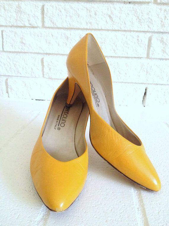 a8851f4319d2 Vintage Bandolino Kitten Heel Shoes Mustard Yellow Size 6.5 ...