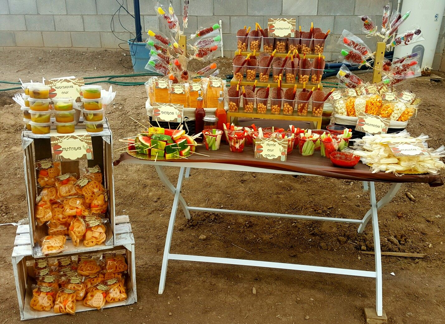 Mesa de botanas de chlilito  table snacks party  Mesa de