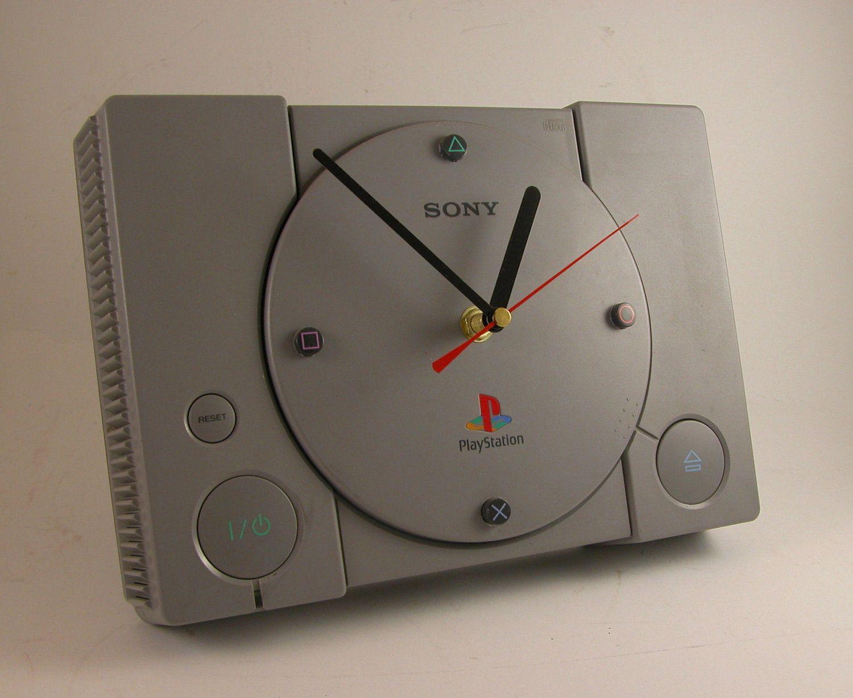 Playstation uhr1 diy pinterest zocker zimmer spielzimmer und konsole - Coole wanduhren ...